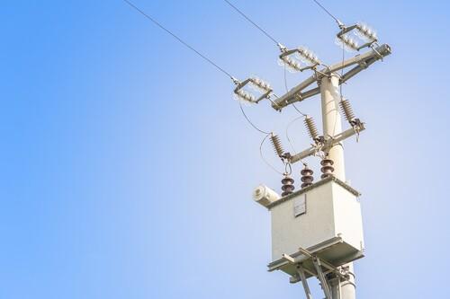 ¿Cuánto cuesta engancharse a la red de distribución eléctrica?